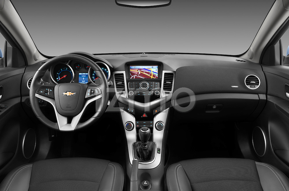 Straight dashboard view of a 2013 Chevrolet Cruze SW LTZ wagon