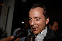 SAO PAULO, SP, 26 JULHO 2012 - ELEICOES 2012 - CELSO RUSSOMANO - O candidato a prefeitura de Sao Paulo, Celso Russomano (PRB) durante encontro com lideranças na Pizzaria Sacada no bairro da Mooca regiao leste da capital paulista na noite dessa quinta-feira, 26. FOTO: VANESSA CARVALHO - BRAZIL PHOTO PRESS.