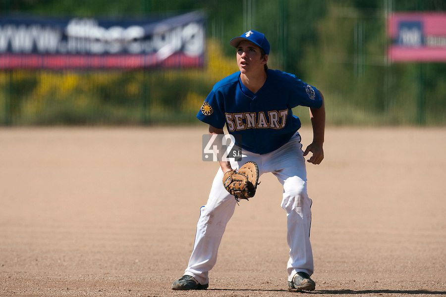 24 May 2009: Steven Vesque of Senart is seen on defense at first base during the 2009 challenge de France, a tournament with the best French baseball teams - all eight elite league clubs - to determine a spot in the European Cup next year, at Montpellier, France. Senart wins 8-5 over La Guerche.
