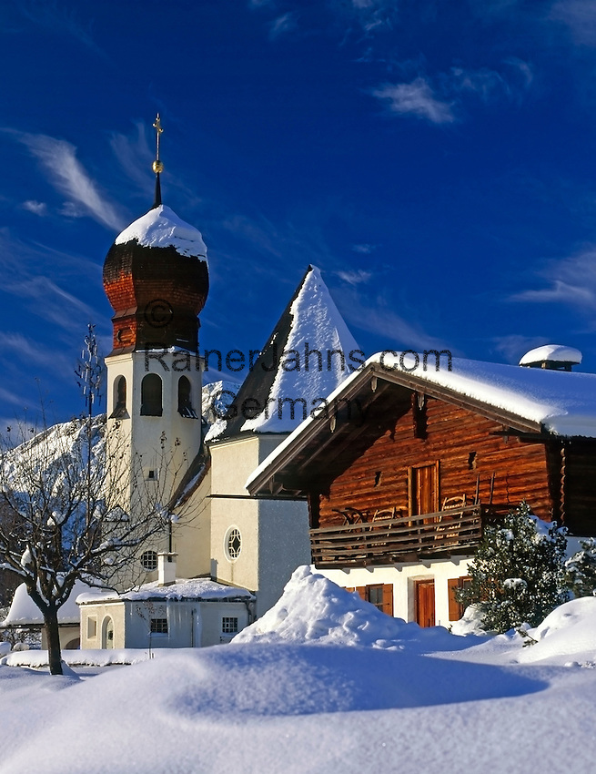 DE, Germany, Bavaria, Upper Bavaria, Berchtesgadener Land, village Oberau with church