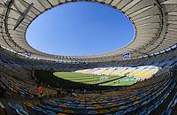 RIO DE JANEIRO, RJ, 02/06/2013 - BRASIL X INGLATERRA - Movimentação no entorno do Estádio do Maracanã, neste domingo (02), antes do amistoso entre Brasil x Inglaterra. foto Vanessa Carvalho Brazil Photo Press.