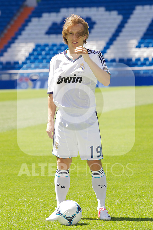 Luka Modric presentation as new Real Madrid player at Santiago Bernabeu Stadium on august 27th 2012...Photo: Cesar Cebolla / ALFAQUI