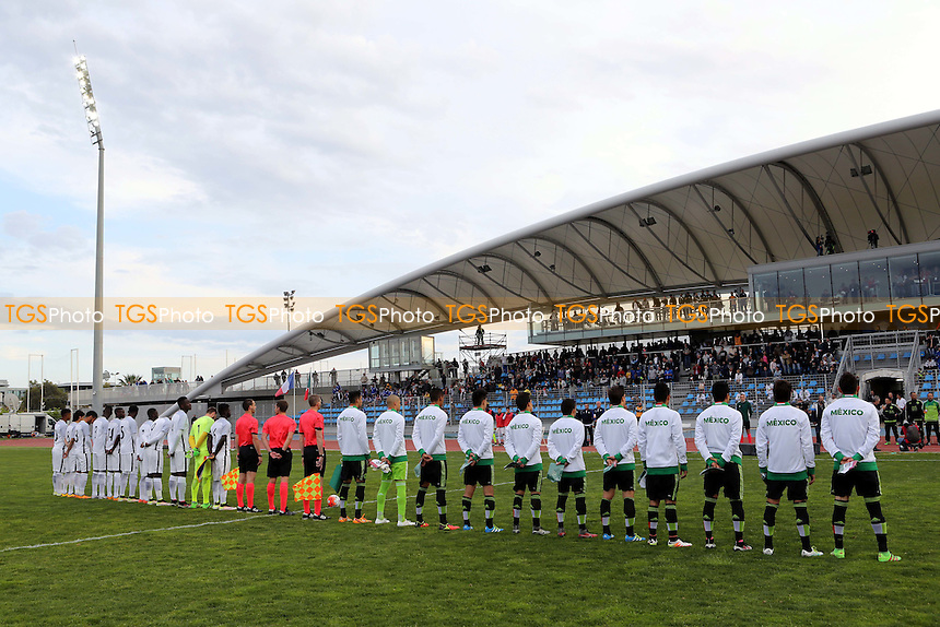Players from Mexico and France line up for the National Anthems prior to kick-off during Mexico Under-20 vs France Under-20, 2016 Toulon Tournament Football at Stade Leo Lagrange on 18th May 2016