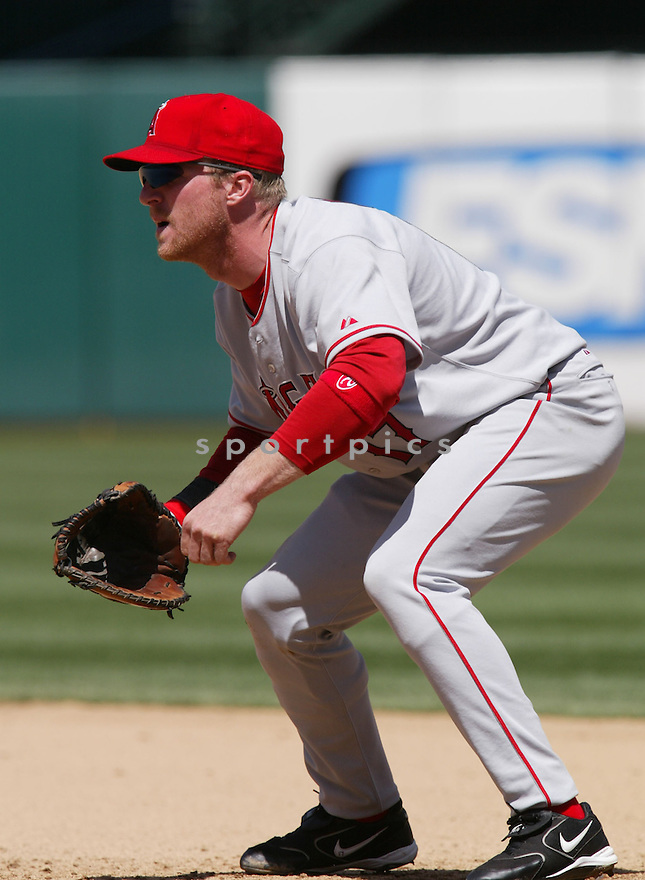 Darin Erstad in action during the Los Angeles Angels v. Oakland Athletics game April 16, 2005.....Los Angeles Angels lost 0-1.....Rob Holt/ SportPics