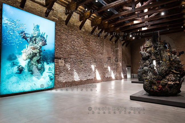 "Venezia - Punta della Dogana . La mostra di Damien Hirst: ""Tresaures from the Wreck of Unbelievable. ""the Monk"""