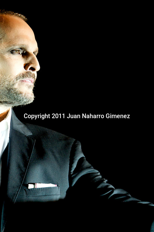 MADRID, SPAIN - FEBRUARY 28: Spanish singer and actor Miguel Bose performs on stage in the Arteria Cosileum Festival at Teatro Coliseum on February 28, 2011 in Madrid, Spain. (Photo by Juan Naharro Gimenez)