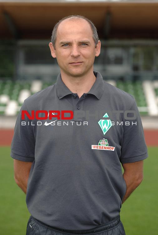 19.07.2013, Platz 11, Bremen, GER, RLN, Mannschaftsfoto Werder Bremen II, im Bild Viktor Skripnik (Trainer Werder Bremen II)<br /> <br /> Foto &copy; nph / Frisch