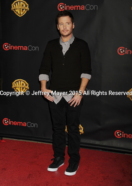 LAS VEGAS, CA - APRIL 21: Actor Kevin Connolly arrives at Warner Bros. Pictures Invites You to ?The Big Picture at The Colosseum at Caesars Palace during CinemaCon, the official convention of the National Association of Theatre Owners, on April 21, 2015 in Las Vegas, Nevada.