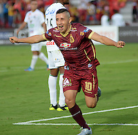 IBAGUE -COLOMBIA, 24-07-2016. Cleider Alzate jugador del Tolima   celebra su gol contra  el Once Caldas  durante encuentro  por la fecha 5 de la Liga Aguila II 2016 disputado en el estadio Murillo Toro./ Cleider Alzate   player of Tolima celebrates his goal agaisnt of Once Caldas  during match for the date 5 of the Aguila League II 2016 played at Murilo Toro stadium . Photo:VizzorImage / Juan Carlos Escobar  / Contribuidor
