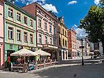 Zielona Góra (woj. lubuskie), 20.07.2013. Kamieniczki na Rynku Starego Miasta.