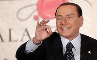 20121212 ROMA-POLITICA: BERLUSCONI: PASSO INDIETRO, O FORSE NO