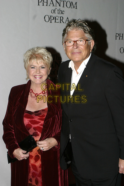 "GLORIA HUNNIFORD.""The Phantom of the Opera"" World Premiere Party,.Grand Hall Olympia, London, December 6th 2004..half length.Ref: AH.www.capitalpictures.com.sales@capitalpictures.com.©Capital Pictures."