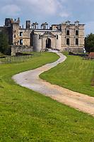 France, Aquitaine, Pyrénées-Atlantiques, Pays Basque, Bidache:  Château de Bidache,  château- forteresse   des ducs de Gramont //  France, Pyrenees Atlantiques, Basque Country,