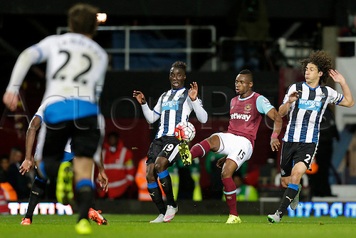 14.09.2015. London, England. Football - Barclays Premier League. West Ham versus Newcastle United.  West Ham United's Diafra Sakho controls the ball in the Newcastle United penalty area
