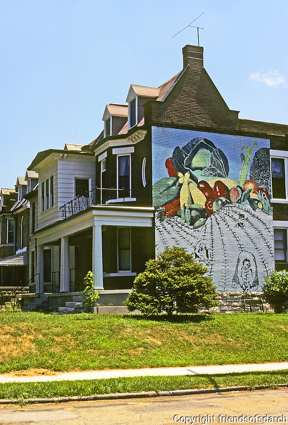 St. Louis: House with mural--SE corner Lake and Waterman. Photo '78.
