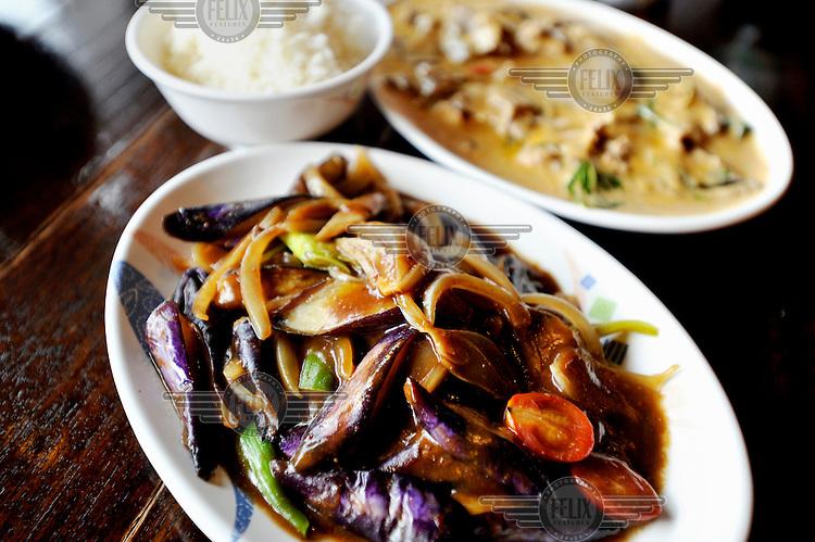 Thai/Burmese cuisine at a restaurant on Kenting's main street.