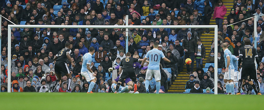 Leicester City's Robert Huth (#6) scores the opening goal <br /> <br /> Photographer Stephen White/CameraSport<br /> <br /> Football - Barclays Premiership - Manchester City v Leicester City - Saturday 6th February 2016 -  Etihad Stadium - Manchester<br /> <br /> &copy; CameraSport - 43 Linden Ave. Countesthorpe. Leicester. England. LE8 5PG - Tel: +44 (0) 116 277 4147 - admin@camerasport.com - www.camerasport.com