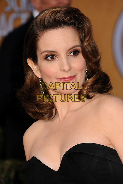 Tina Fey (wearing Oscar de la Renta).Arrivals at the 19th Annual Screen Actors Guild Awards at the Shrine Auditorium in Los Angeles, California, USA..27th January 2013.SAG SAGs headshot portrait cleavage black strapless .CAP/ADM/BP.©Byron Purvis/AdMedia/Capital Pictures