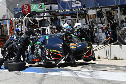 IMSA WeatherTech SportsCar Championship<br /> Advance Auto Parts SportsCar Showdown<br /> Circuit of The Americas, Austin, TX USA<br /> Saturday 6 May 2017<br /> 86, Acura, Acura NSX, GTD, Oswaldo Negri Jr., Jeff Segal - Pit Stop<br /> World Copyright: Richard Dole<br /> LAT Images<br /> ref: Digital Image RD_COTA_17286