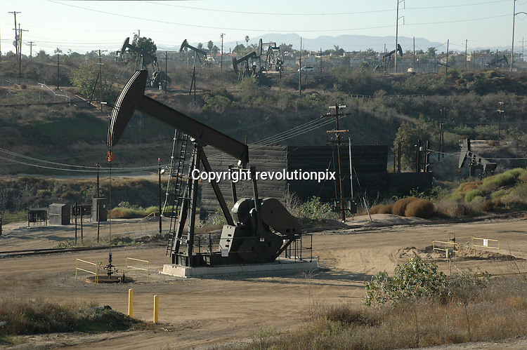 Oil Pumps<br /> Los Angeles<br /> November 5 2009<br /> Illustration of Oil Pumps in Los Angeles Area<br /> ID revpix91105013