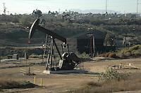 Oil Pumps<br /> Los Angeles<br /> November 5 2009<br /> Illustration of Oil Pumps in Los Angeles Area<br /> ID revpix91105013