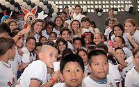 SAO PAULO, 25 DE MARCO DE 2013. - Jogador do Corinthians Alexandre Pato visita crianças durante evento de Pascoa no ginásio do Parque São Jorge em São Paulo na tarde desta segunda feira, 25. (FOTO: ALAN MORICI / BRAZIL PHOTO PRESS).