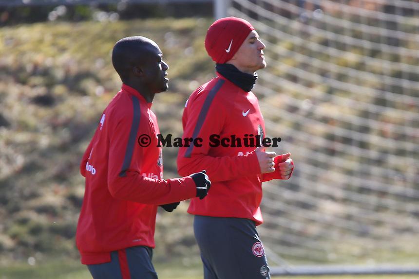 Constant Djakpa und Aleksandar Ignjovski - Eintracht Frankfurt Training, Commerzbank Arena