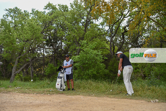 Jhonattan Vegas (VEN) chips on to 1 during day 1 of the Valero Texas Open, at the TPC San Antonio Oaks Course, San Antonio, Texas, USA. 4/4/2019.<br /> Picture: Golffile   Ken Murray<br /> <br /> <br /> All photo usage must carry mandatory copyright credit (© Golffile   Ken Murray)