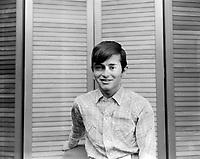 Sujet: Le chanteur Josélito<br /> Date: mai 1966<br /> Photographe: Photo Moderne<br /> Collection: © Jocelyn Paquet, Les Archives du Photographe.<br /> Numéro: DSC28218- Agence Quebec Presse