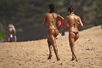 Girls on the North Shore, Haleiwa, Oahu, Hawaii..Photo: Joliphotos.com