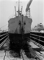 Januari 1963.  Scheepswerf Mercantile Marine Engineering in Antwerpen.  Schip Schonfels.
