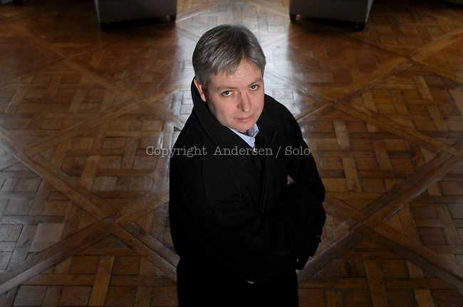 Jonathan Coe in 2003.