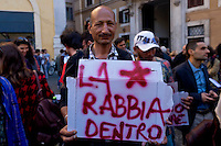 Roma 21 Aprile 2015<br /> Manifestazione  nazionale delle associazioni di migranti, sindacati e ONG, in Piazza Montecitorio, all&rsquo;indomani del naufragio che ha causato la morte di 900 migranti, per chiedere un corridoio umanitario e una politica di accoglienza dignitosa.<br /> Rome April 21, 2015<br /> National demonstration of migrant associations, trade unions and NGOs, in Piazza Montecitorio, in the aftermath of the wreck that caused the death of 900 migrants, ask for a humanitarian corridor and a policy of dignified reception.