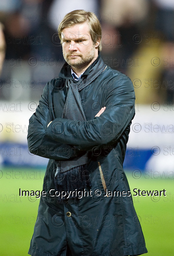 05/05/2010   Copyright  Pic : James Stewart.sct_js014_falkirk_v_st_johnstone  .::  FALKIRK MANAGER STEVEN PRESSLEY ::  .James Stewart Photography 19 Carronlea Drive, Falkirk. FK2 8DN      Vat Reg No. 607 6932 25.Telephone      : +44 (0)1324 570291 .Mobile              : +44 (0)7721 416997.E-mail  :  jim@jspa.co.uk.If you require further information then contact Jim Stewart on any of the numbers above.........
