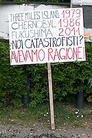 Corteo contro il nucleare. Caorso (Piacenza), 23 aprile 2011...Demonstration against nuclear power. Caorso (Piacenza), April 23, 2011.