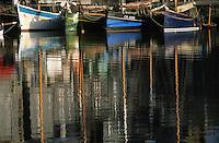 Europe/France/Normandie/Basse-Normandie/14/Calvados/Honfleur: Le port - Reflets sur l'eau du vieux bassin