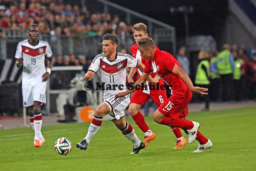 Kevin Volland (D) gegen Maciej Rybus und Thiago Cionek (PL) - Deutschland vs. Polen, WM-Vorbereitung Testspiel, Imtech Arena Hamburg