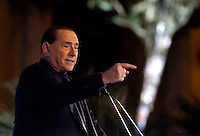 L'ex Presidente del Consiglio Silvio Berlusconi parla sotto la sua residenza di Palazzo Grazioli durante un comizio contro la sua decadenza dalla carica di senatore, a Roma, 27 novembre 2013.<br /> Italian former Premier Silvio Berlusconi speaks outside of his residence during a rally to protest against his expulsion from the Senate, following his conviction for tax fraud, in Rome, 27 November 2013.<br /> UPDATE IMAGES PRESS/Riccardo De Luca