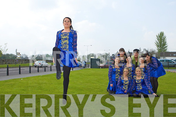 Glenflesk figure dancers front row l-r: Niamh Favier, Lisa Cronin, Joanne Cashman, Linda McCarthy, Jennifer McCarthy. Back row: Angela McCarthy, Cait O'Sullivan, Norrie Sheehan and Mairead Cashman