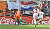 20170806 - ENSCHEDE , NETHERLANDS : Danish Nadia Nadim (9) scores the opening goal on penalty  pictured during the female soccer game between The Netherlands and Denmark  , the final at the Women's Euro 2017 , European Championship in The Netherlands 2017 , Sunday 6th of August 2017 at Grolsch Veste Stadion FC Twente in Enschede , The Netherlands PHOTO SPORTPIX.BE | DIRK VUYLSTEKE