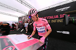 Race leader Bob Jungels (LUX) Quick-Step Floors at sign on before the start of Stage 6 of the 100th edition of the Giro d'Italia 2017, running 217km from Reggio Calabria to Terme Luigiane, Italy. 11th May 2017.<br /> Picture: LaPresse/Gian Mattia D'Alberto | Cyclefile<br /> <br /> <br /> All photos usage must carry mandatory copyright credit (&copy; Cyclefile | LaPresse/Gian Mattia D'Alberto)