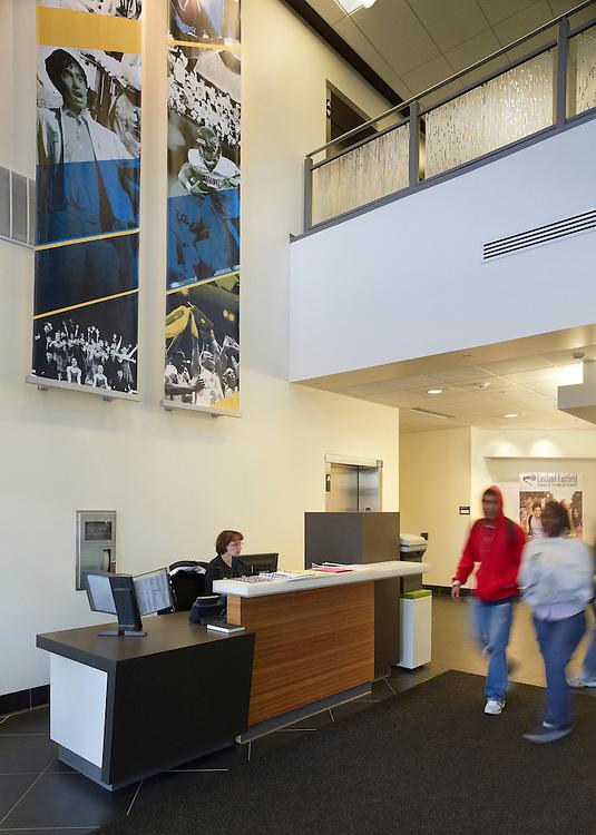 Clark Hall at Gahanna Lincoln High School | Architects: Bird Houk Collaborative