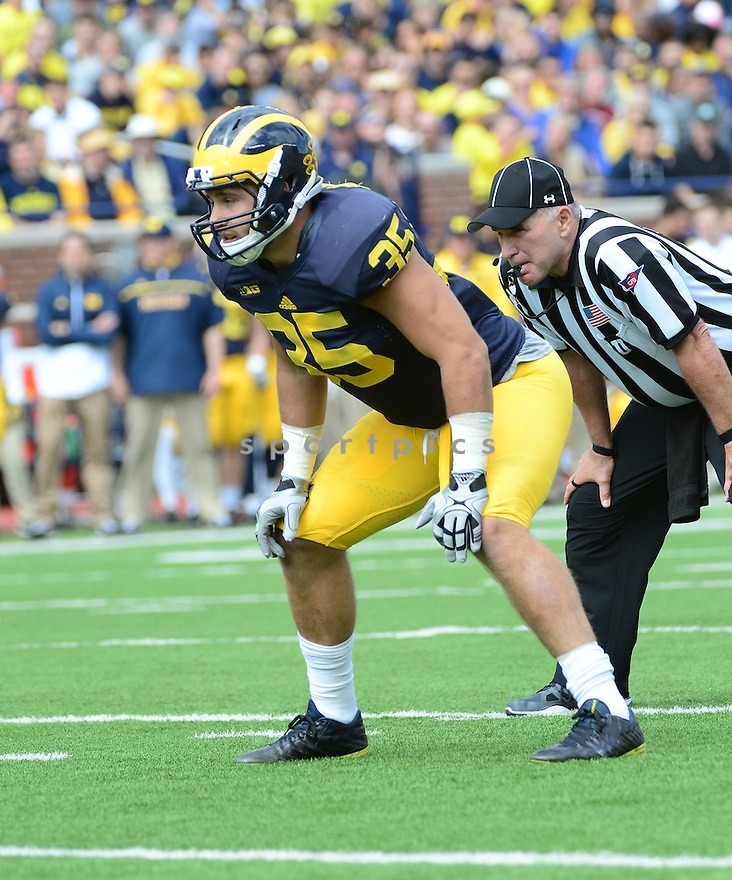 Michigan Wolverines Joe Bolden (35) during a game against the UNLV Rebels on September 19, 2015 at Michigan Stadium in Ann Arbor, MI. Michigan beat UNLV 28-7.