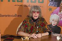 SÃO PAULO, SP, 16.11.2016 - RITA-LEE - A cantora Rita Lee durante o lançamento de sua autobiografia, na Livraria Cultura do Conjunto Nacional, na Avenida Paulista, em São Paulo, nesta quarta-feira, 16 (Foto: Ciça Neder / Brazil Photo Press)