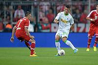 Fussball  1. Bundesliga  Saison 2013/2014   1. SPIELTAG FC Bayern Muenchen - Borussia Moenchengladbach       09.08.2013 Franck Ribery (li, FC Bayern Muenchen) gegen Granit Xhaka (re, Borussia Moenchengladbach)