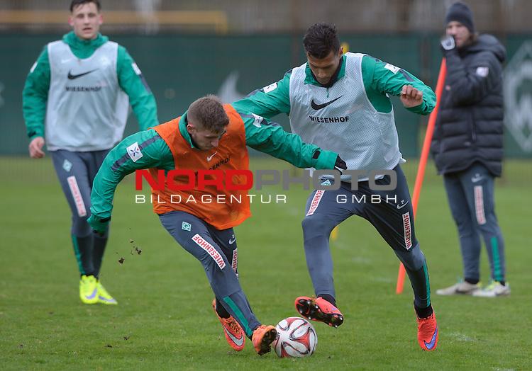 01.04.2015, Trainingsgelaende, Bremen, GER, 1.FBL, Training Werder Bremen, im Bild Levent Aycicek (Bremen #21), Davie Selke (Bremen #27)<br /> <br /> Foto &copy; nordphoto / Frisch