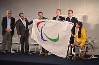 ATENCAO EDITOR:FOTO EMBARGADA PARA VEICULOS INTERNACIONAIS-RIO DE JANEIRO, RJ, 10 SETEMBRO 2012 - CHEGADA DA BANDEIRA PARALIMPICA- O Vice Governador, Luiz Pezao, o Governador Sergio Cabral, o Prefeito Eduardo Paes, Presidente do Comite Olimpico Brasileiro, COB, Carlos Arthur Nuzman, o Presidente do Comite Paralimpico, Andrew Parsonsna e a atleta Paralimpica, Natalia, na coletiva de imprensa da chegada da Bandeira Paralimpica, trazida de Londres pelo Prefeito Euardo Paes junto com a comitiva de atletas paralimpicos, no Aeroporto Internacional Tom Jobim, Galeao, na Ilha do Governador, zona norte do Rio de Janeiro. FOTO: MARCELO FONSECA / BRAZIL PHOTO PRESS.