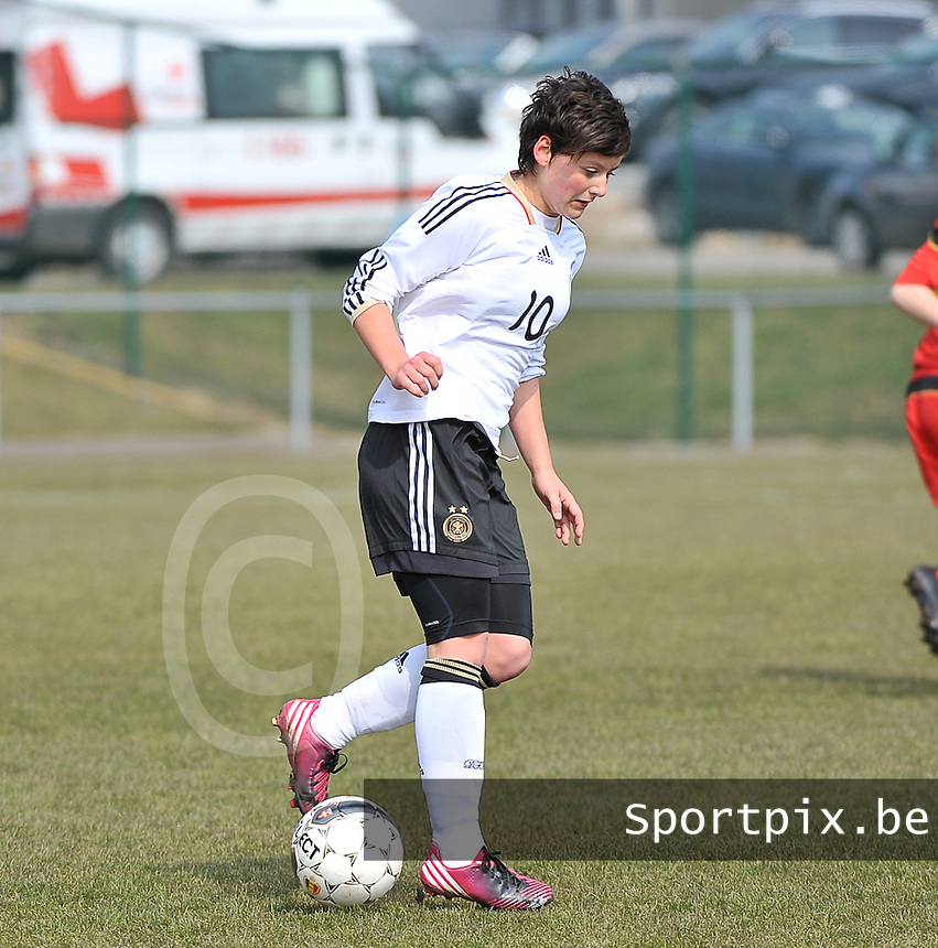 Belgie U17 - Duitsland U17 : Jasmin Sehan.foto DAVID CATRY / Vrouwenteam.be