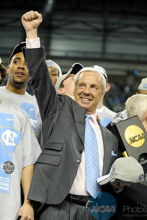 2009 APR 06: Head coach Roy Willimas of the University of North Carolina acknowledges the Tar Heels fans following the championship game of the 2009 Men's Final Four Division I Basketball Championships held at Ford Field in Detroit, MI. North Carolina defeated Michigan State 89-72 to claim the championship title. Photo: Ryan McKee/NCAA Photos
