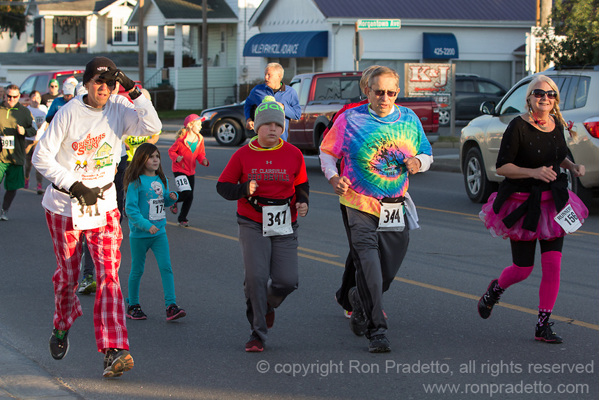 The 2015 Santa's Spirit Sprint December 5, 2015 at Barnesville, OH.